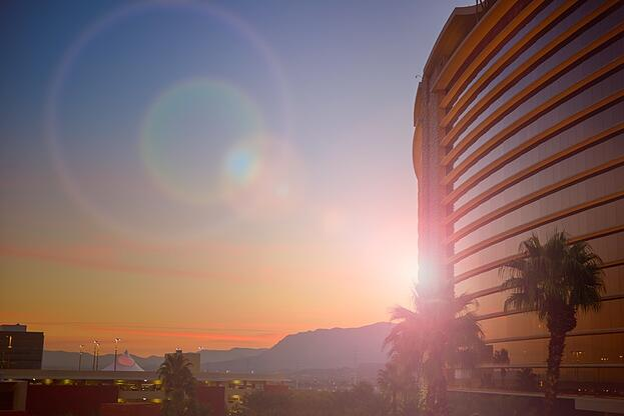 sunny-holiday-vacation-hotel-large